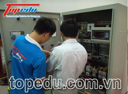 Tủ điều khiển cho dây truyền sản xuất gạch bê tông