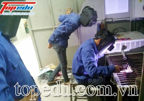 Đào tạo khuôn mẫu và hàn công nghiệp
