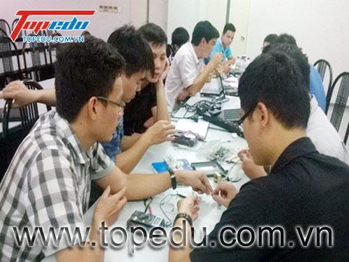 Đào tạo phân tích thiết kế mạch điện tử ứng dụng